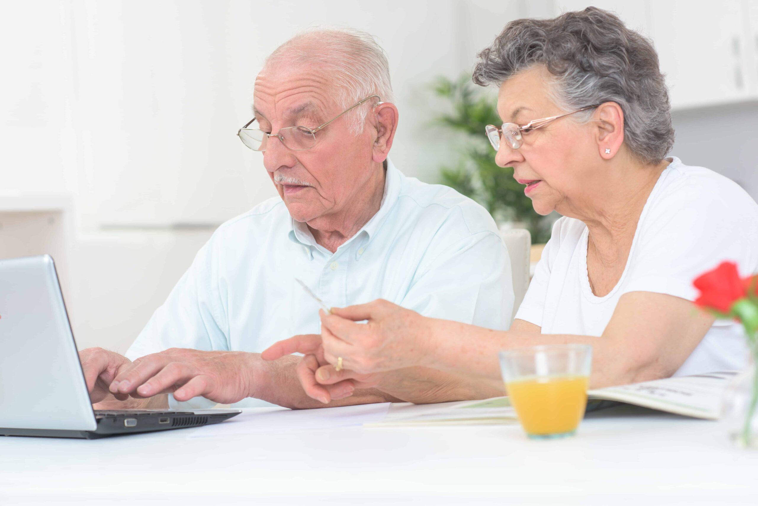 Couple writing a VA lay statement